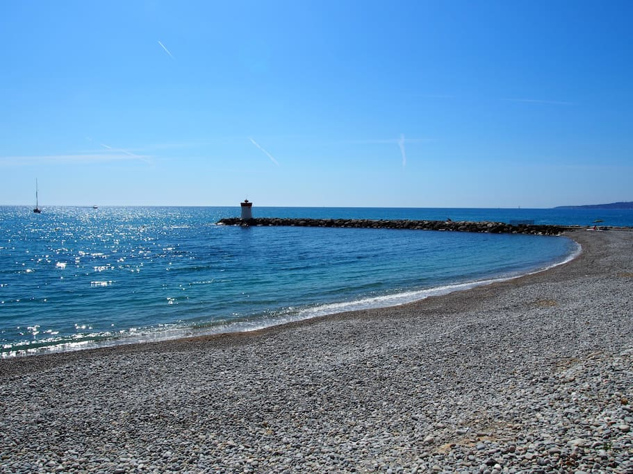 Seaview marina baie des anges 6p appartements louer for Piscine marina baie des anges