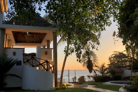 """Quinta Charito"" Amazing Bay View Beachfront Home"