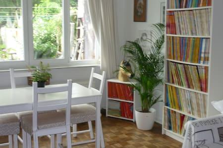 Flat avec jardin bien desservi - Schaerbeek