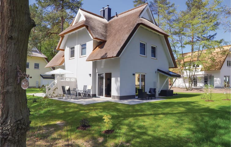 Semi-Detached with 2 bedrooms on 70m² in Zirchow/Usedom