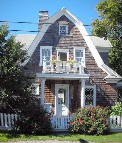 Designer's Dream - Charming Boathouse - Greenport - Hus