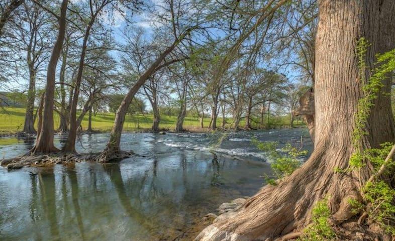 Rockin' S River Retreat