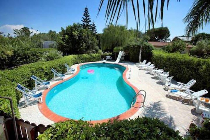 Villetta Celestina - con piscina nell'Alto Salento