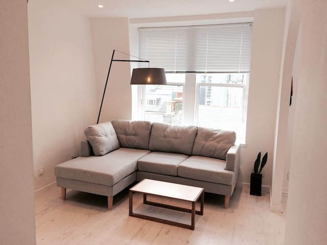 City Centre/ Adelphi, 1 bed Modern & Clean Appartm