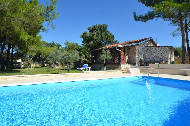 NEW! UR comfort authentic home with pool in Rovinj