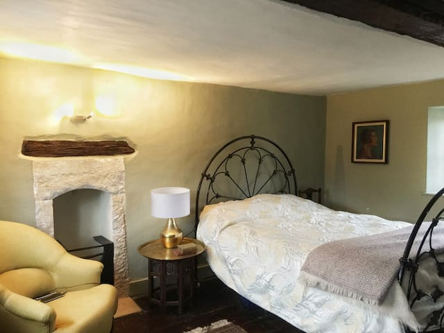 Period 18th Century 3 Bedroom House Near Bath - Corsham - Ház