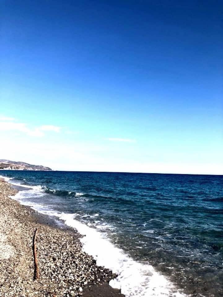 un piccolo angolo di paradiso tra cielo e mare