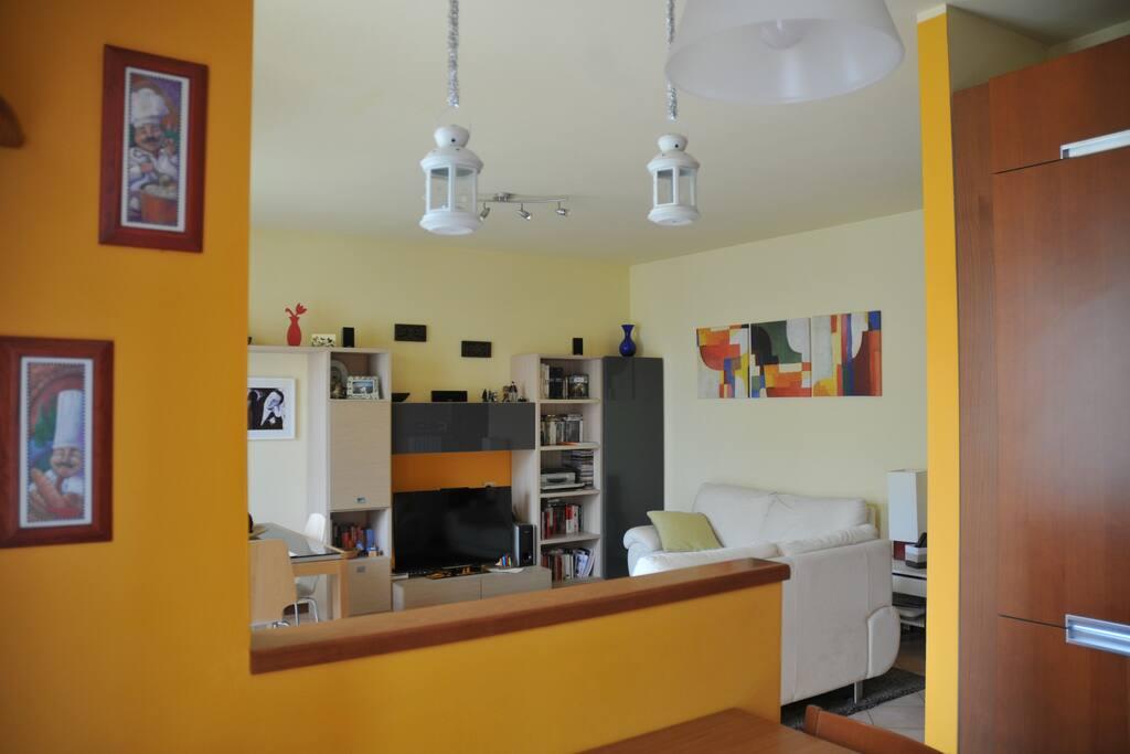 Il soggiorno visto dalla cucina