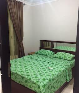 1 BR Apt. Near Mall & Busway (+ Pocket Wi-Fi) - Pasar Minggu - Apartamento