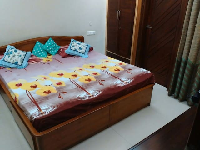 A pretty single room near Chandigar - Panchkula - Haus