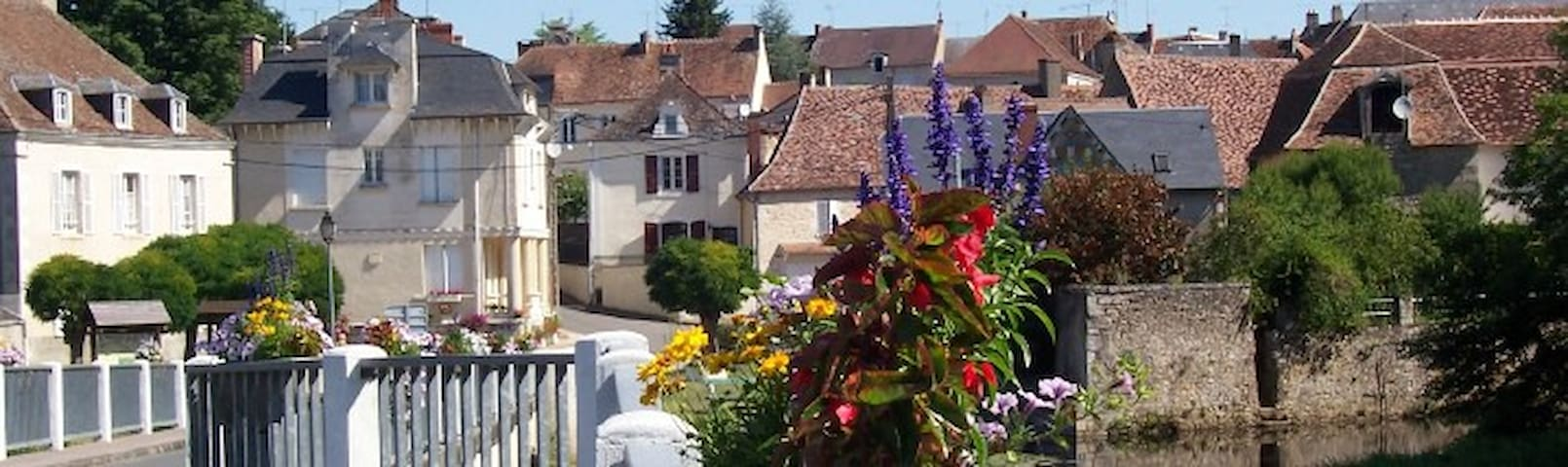 Tranquil central location, Belabre, Indre, France