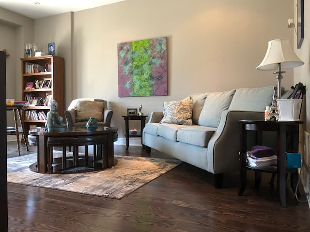 Close to Hospital - 1 Bedroom & Private Bath