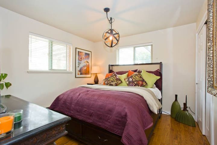 Beautifully Remodeled Home! Close to Downtown!