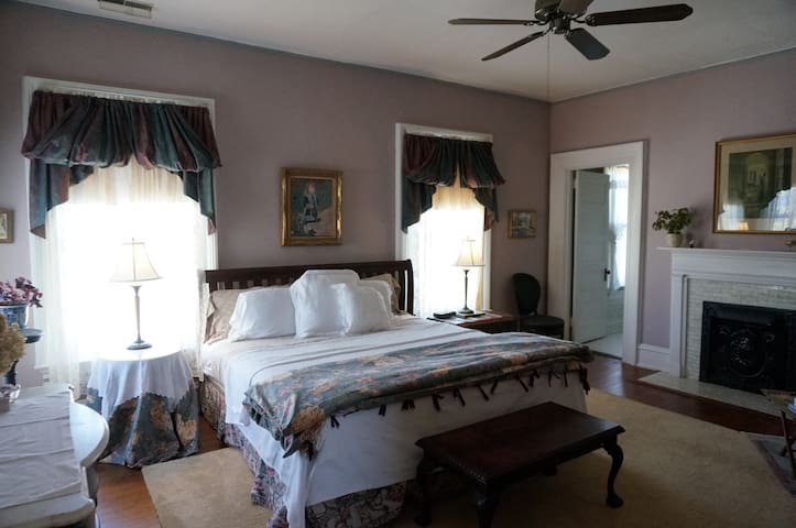 Joy Room ---King bed  $150.00 per night