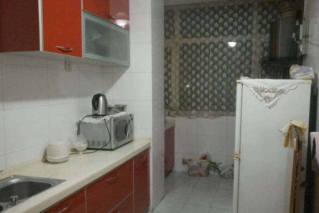 厨房厨具应有尽有,干净整洁,可共享