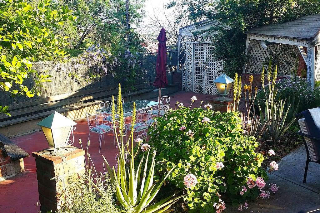Beautiful Garden Retreat Houses For Rent In Los Angeles California United States