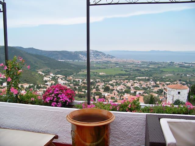 Villa very beautiful in Mas-Fumats, Roses, ESPANA