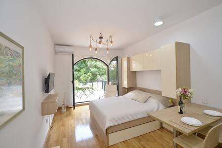 Posto Capitano 0202- Studio With Terrace and Pool
