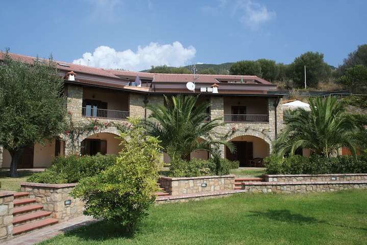 Caprioli-Capo Palinuro bilocale 1 con  Vista Mare