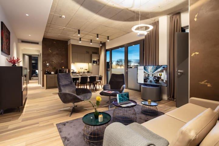 Penthouse 207