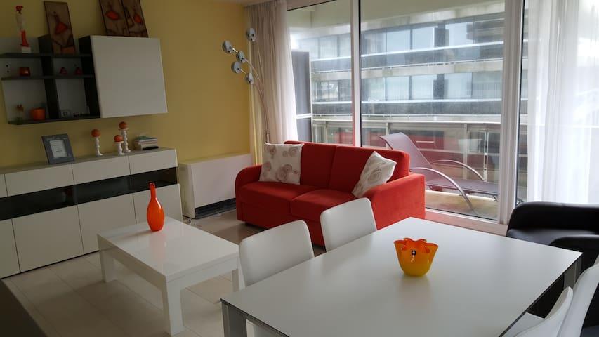 Appartement ensoleillé sur la digue - De Panne - Apartment