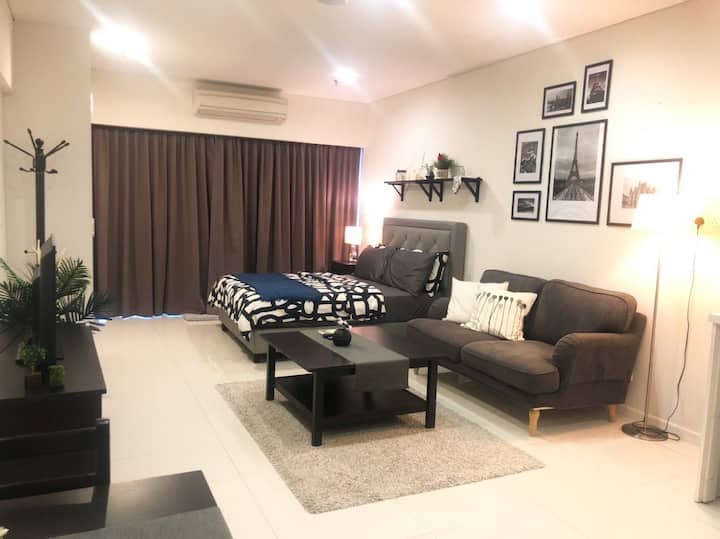Cozy Studio [Netflix] near KLCC and Subway
