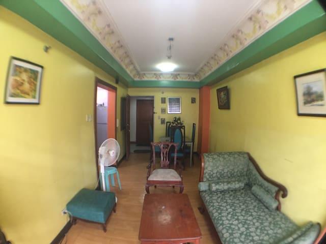 Classic home near boni MRT - Mandaluyong city  - Haus