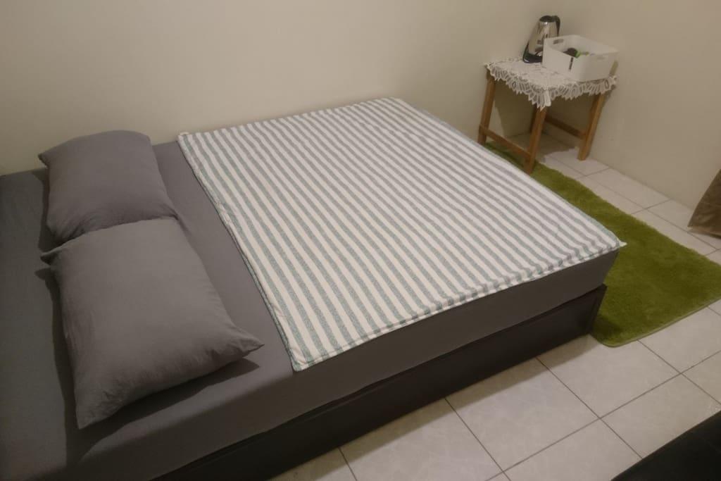 舒適雙人床
