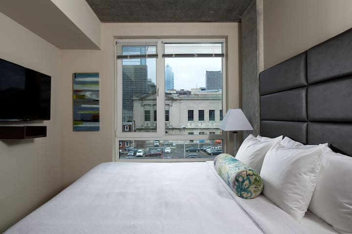 Bold Two Bed at The Granary