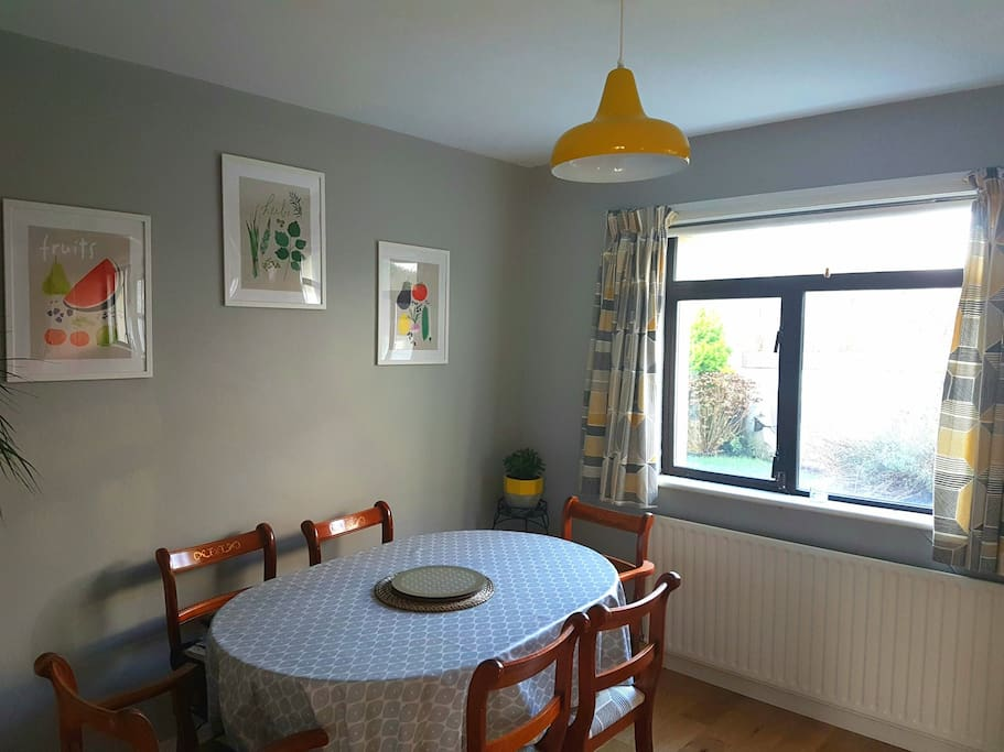 Bright open plan dining room kitchen combined. Great for entertaining and can spill out into garden in summer.