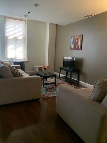 1 Bedroom Apt on the 7th Floor Downtown Memphis!