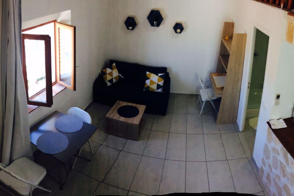 Charmant studio mezzanine 30m centre prox plage for La vie claire la ciotat