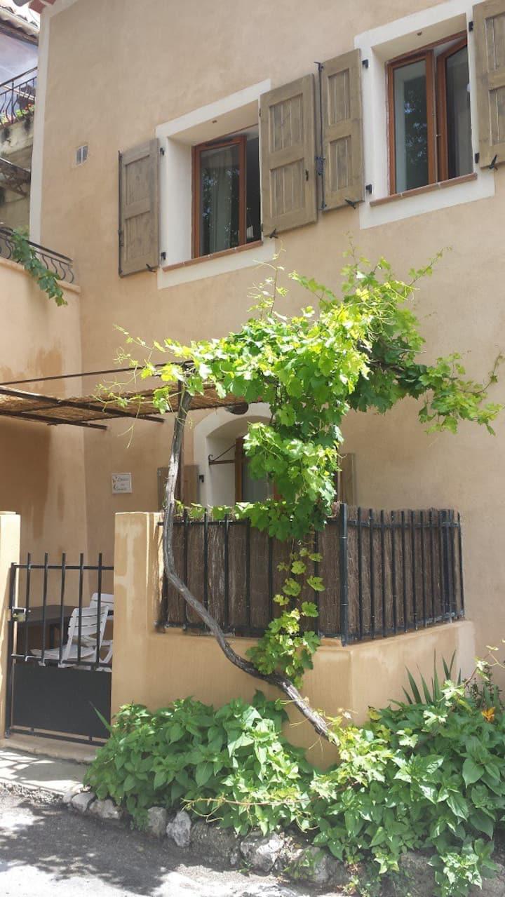 Maison de village 3 *** terrasse + garage