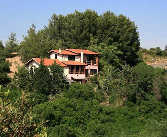 B&b Villa Serena. Collinas. Stanza Panoramica