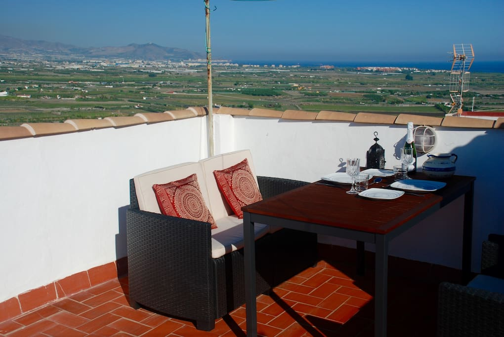 Casa Estrella has a spacious roof terrace with amazing views of the sea, mountains, castle and church
