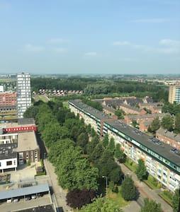 Penthouse in de stad Groningen. - Groningen
