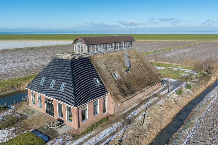 Unique luxurious farmhouse at Dutch coast - Nes Gem Dongeradeel - วิลล่า