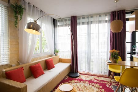 Room in center HN with private bathroom & kitchen - Hanoi - Daire
