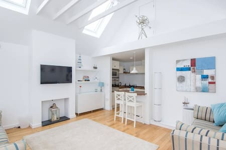 Wee Windy, a stylish guest house in North Berwick