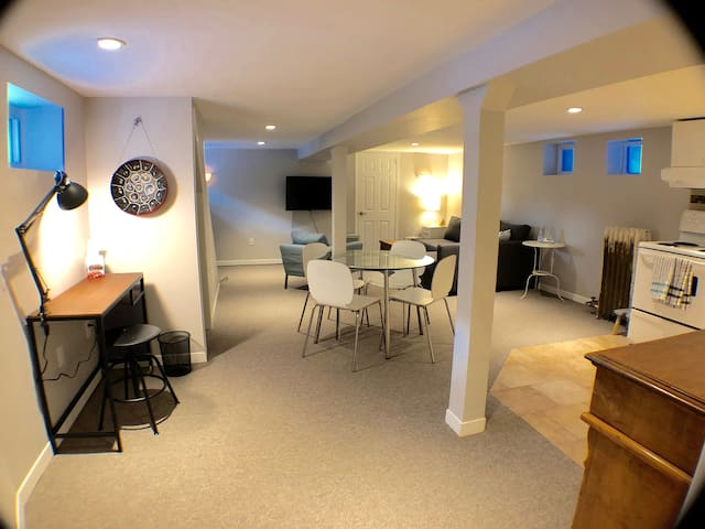 Stylish, spacious apartment in Bloor West Village