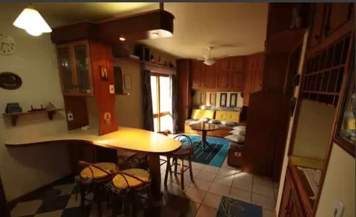 Suíte com quarto, banheiro e sala\cozinha completa na praia, com comodidade e segurança numa localização privilegiada.