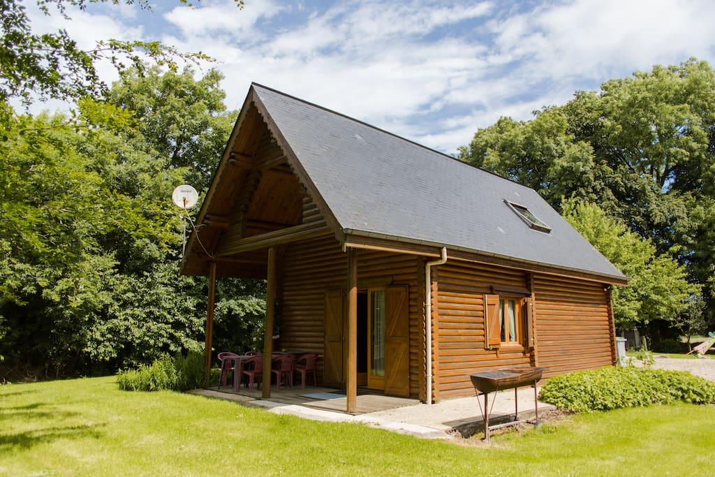 Retourà la nature dans une maison en bois rondin Chalets for Rent in Hautot l'Auvray  # Maison En Rondin De Bois France