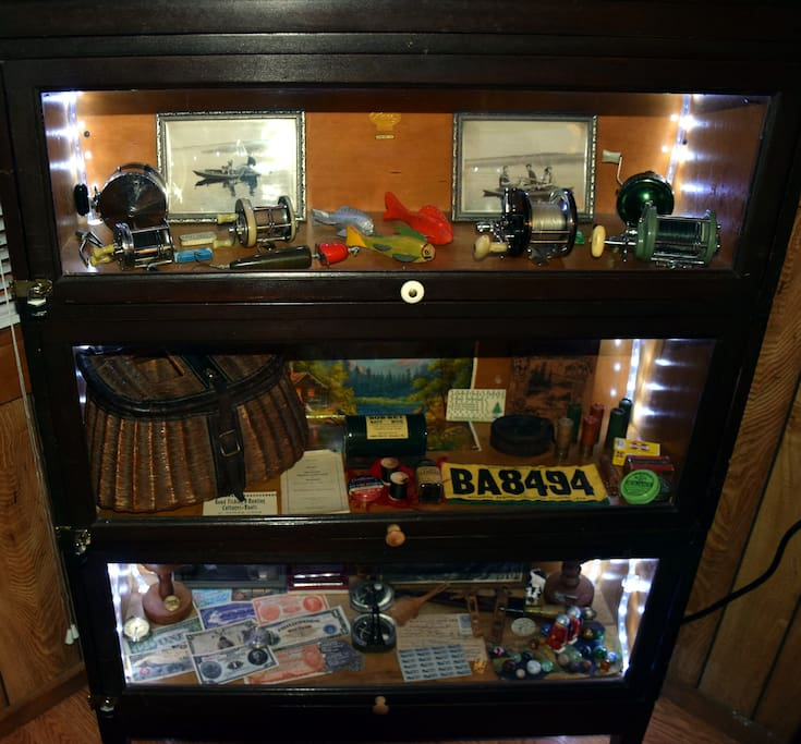WW2, hunting and fishing antiques