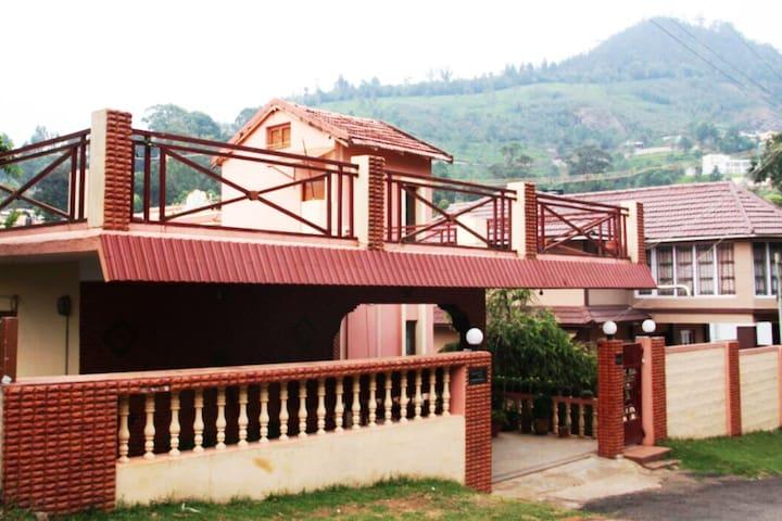 Lovely home stay in Brooklands, Coonoor, Nilgiris - Coonoor - House