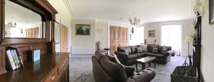 Dol Llan Mansion - Major Cass Suite