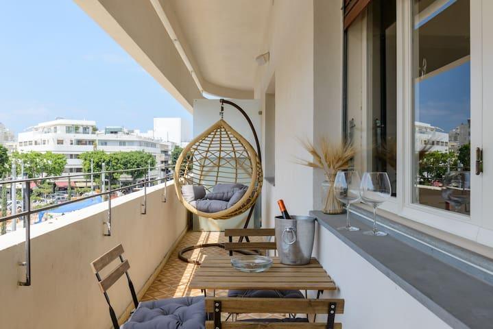 La Square | 2 rooms  | dizenguff square |  balcony