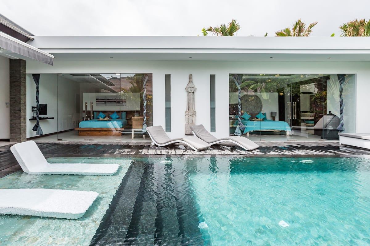 Stunning Private Luxury Villa with Fiber Optic Internet
