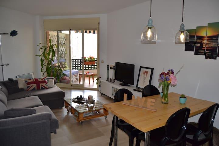 Habitación doble en Tarragona centro con piscina - Tarragona - Appartement