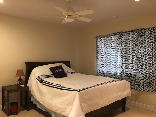 Brand New One Bed One Bath Long Beach Apartment