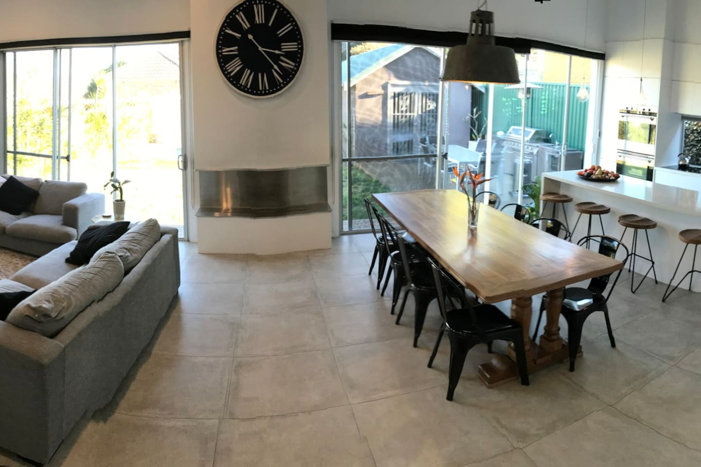 Open plan living and entertaining